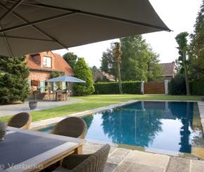 Buitenzwembad met padoek terras skimmer zwembad liner de mooiste zwembaden - Witte pool liner ...