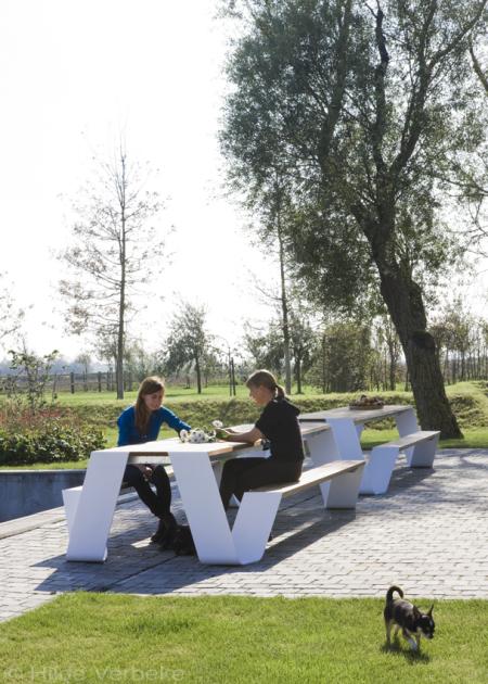 Outdoor design furniture exclusief tuinmeubilair van extremis de mooiste zwembaden - Tuin meubilair ...