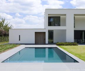 Betonnen overloop zwembad bouwen bouwkundig luxe zwembad de mooiste zwembaden - Witte pool liner ...