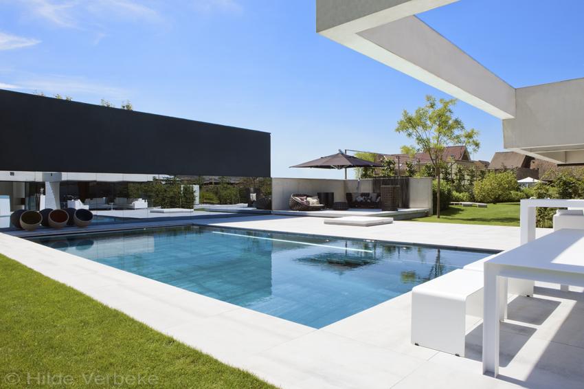Outdoor furniture exclusief tuinmeubilair in de tuin en rond het zwembad de mooiste zwembaden - Ontwikkeling rond het zwembad ...