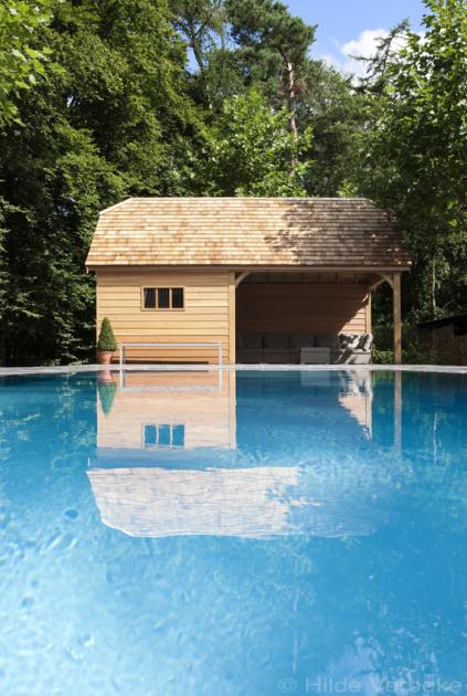 Prachtig overloopzwembad in monoblock buiten zwembad met for Monoblock zwembad