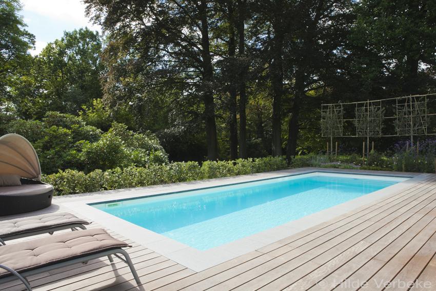 Zwembad met jetstream buitenzwembad met houten terras u de
