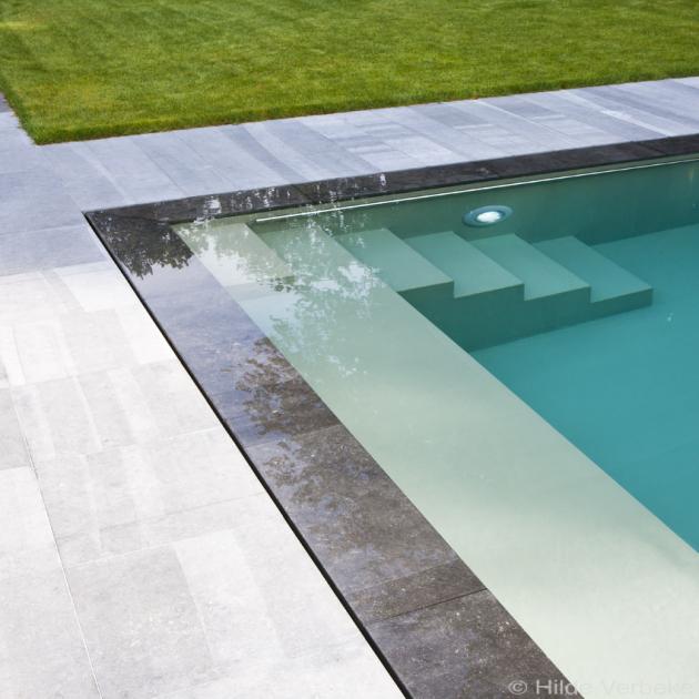 Strak design zwembad combinatie onderloop en overloopsysteem for Zwembad desing