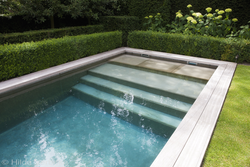 Top Zichtbeton zwembad in kleine tuin van kustvilla &TE85