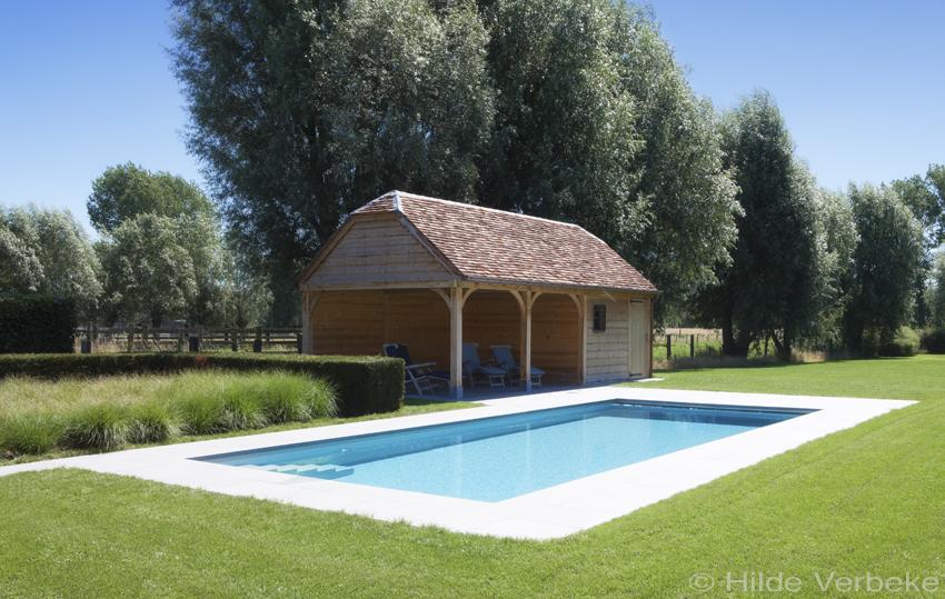 Betonnen zwembad aanleggen in tuin skimmer zwembad for Zwembad houtlook