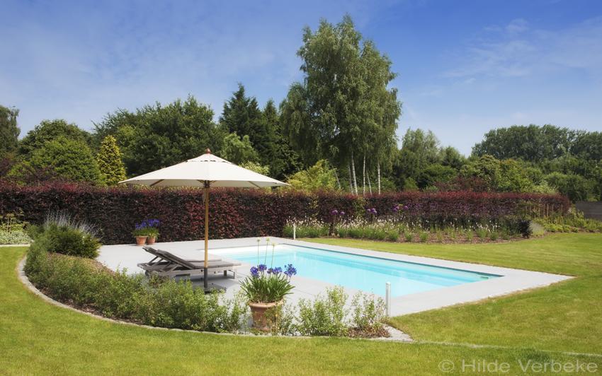 Starline monoblok zwembad aangelegd in prachtige tuin for Zwembad houtlook