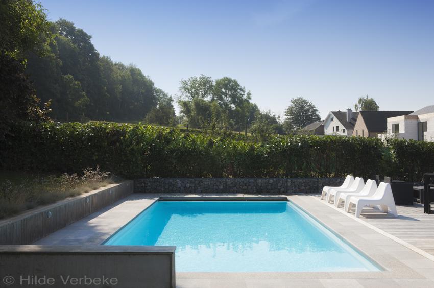 Monobloc zwembad in charmante tuin in de ardennen for Monoblock zwembad