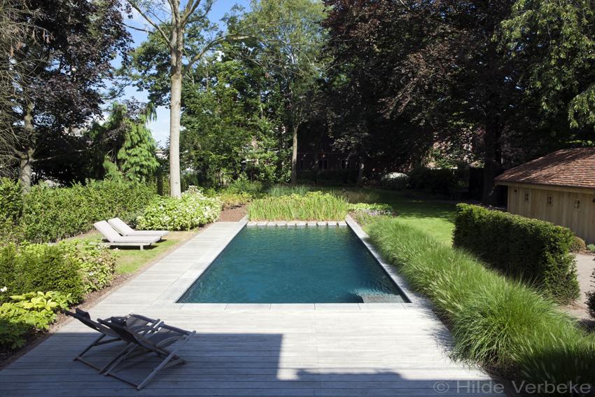 Biologisch zwembad met terras in padoek bij authentieke for Zwembaden in tuin