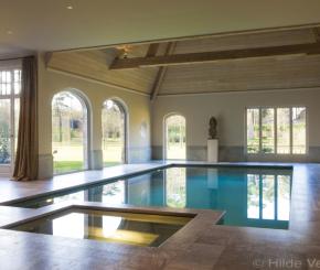 Betonnen luxe zwembad met bouwkundige spa, wellness zwembad, binnenzwembad prijs