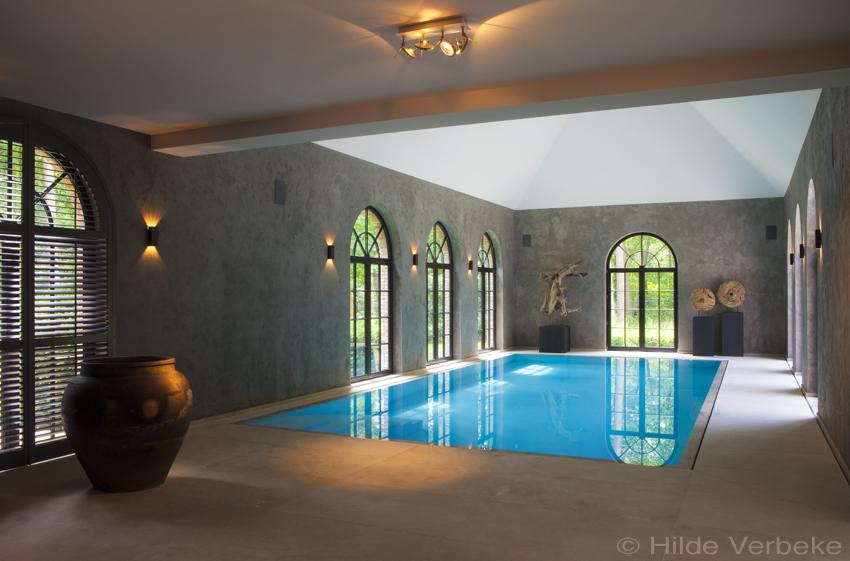 Exclusief binnenzwembad met sauna, bouwkundig zwembad