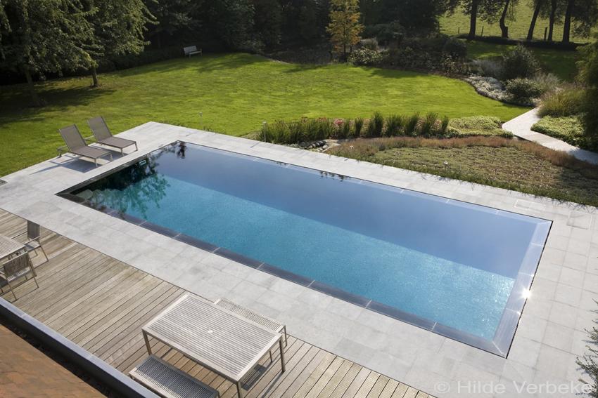 Een luxezwembad aangelegd in uw tuin wat kost dat prijs zwembad