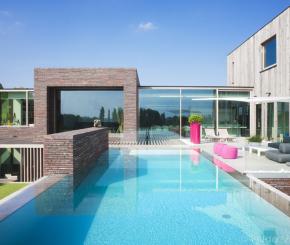 Overloopzwembad aanleggen ontdek alle opties op de mooiste zwembaden - Zwarte pool liner ...