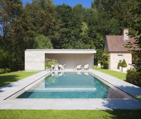 Overloopzwembad aanleggen liner zwembad met zicht op de leie de mooiste zwembaden - Witte pool liner ...