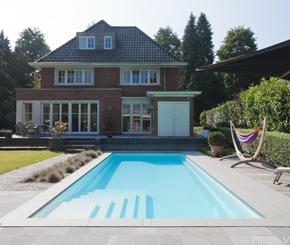 Starline buitenzwembad met lounge trap, monoblok zwembad