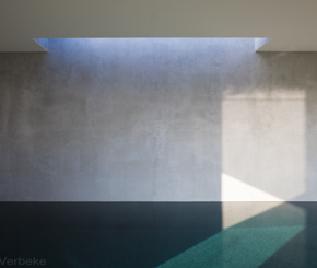 exclusief binnenzwembad met lichtkoepel en wanden afgewerkt in tadelact