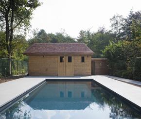 Zwembad met jetstream buitenzwembad met houten terras de mooiste zwembaden - Zwembad kleur liner ...
