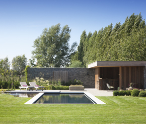 Monoblock polypropyleen zwembad aangelegd door Carro Pools