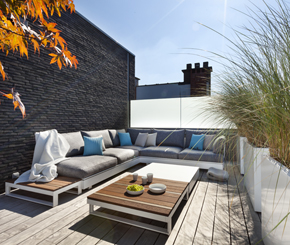 dakterras luxueus ingericht door Rechts van de Kerk, outdoor design tuinmeubilair