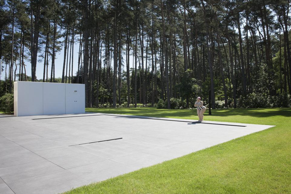 Exclusief buitenzwembad met beweegbare vloer aanleggen for Buitenzwembad aanleggen