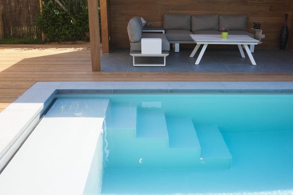 Bekend Lichtgrijs polypropyleen zwembad voorzien van plage en hoektrap  EV-09