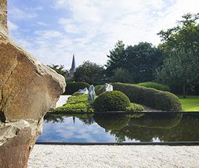 zwemvijver in tuin in Japanese stijl Cools bvba
