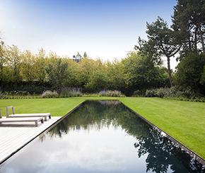 Gigantisch overloop zwembad uitgevoerd in swimfinish, My pool by Hugelier