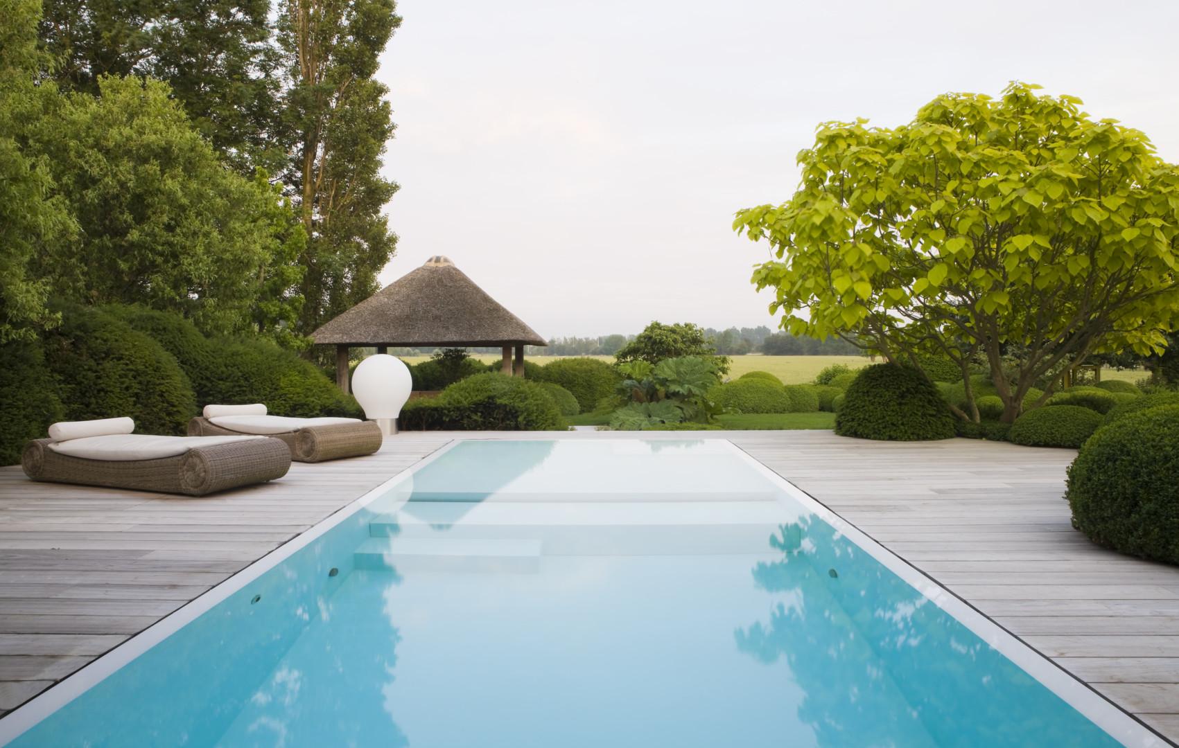 luxe overloopzwembad in polypropyleen voorzien van ruime plage, Fou d'eau zwembaden