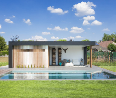 Nouv'eau inox buitenzwembad naast moderne poolhouse