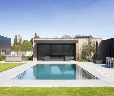 overloopzwembad aangelegd door West-Pool
