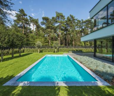 hoge waterlijn skimmer zwembad aangelegd door Eddy Van De Kerkhof