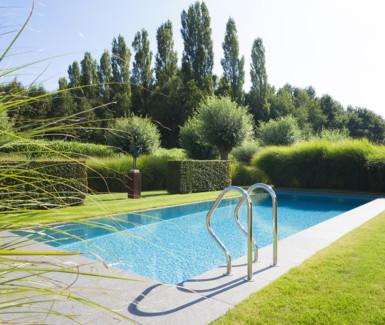 infinity zwembad aangelegd door ideal pool, zwembadbouwer