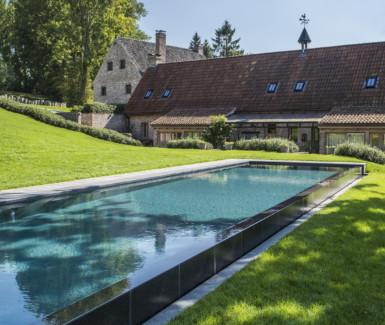 infinity zwembad uit polypropyleen aangelegd door JDS Pools