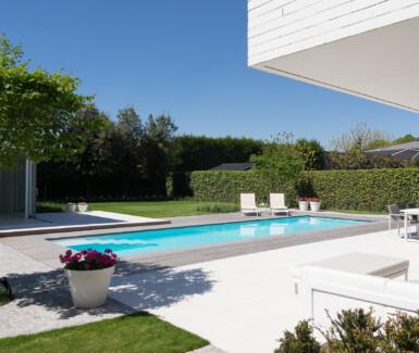 ZK.12 by LPW Pools White pool