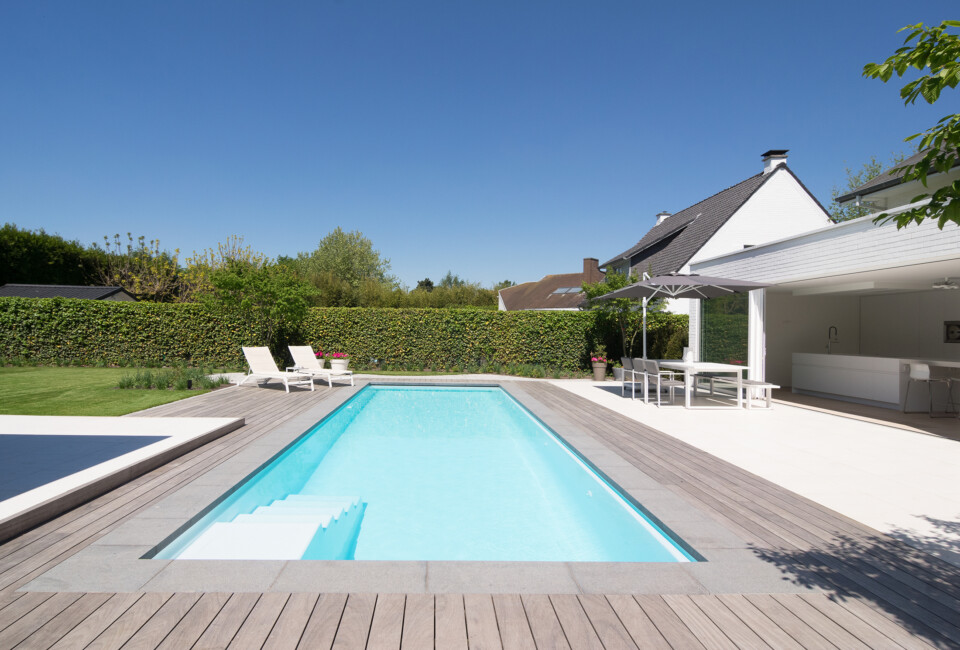 ZK.12 by LPW Pools White