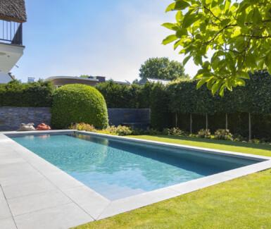 luxe skimmer zwembad aangelegd door Total Pool Concept