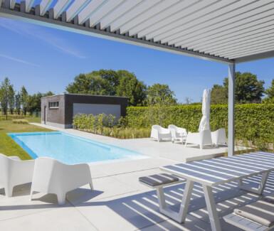 Polypropyleen zwembad aangelegd door VDP Pools, skimmer zwembad, monoblock zwembad