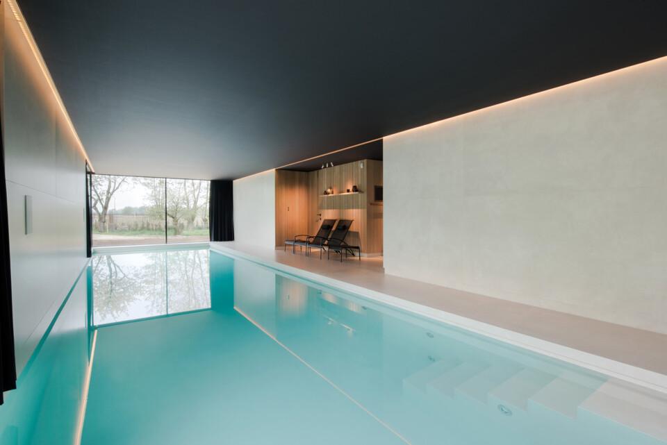 Superlarge-zwembad-in-floorgres-magnum-industrial-ivory-120x240x0,6 (1)