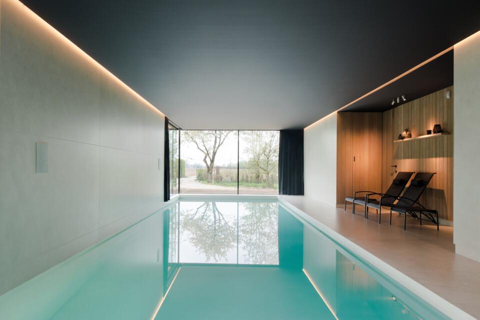 Superlarge-zwembad-in-floorgres-magnum-industrial-ivory-120x240x0,6 (2)