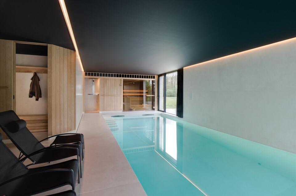 Superlarge-zwembad-in-floorgres-magnum-industrial-ivory-120x240x0,6 (3)
