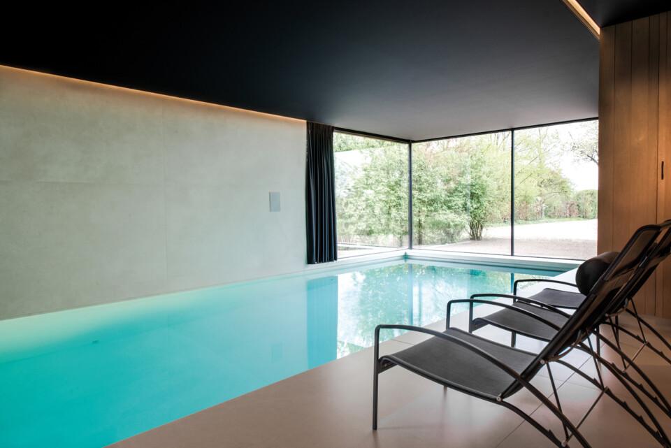 Superlarge-zwembad-in-floorgres-magnum-industrial-ivory-120x240x0,6 (6)