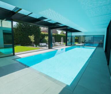 monoblock overloop zwembad NIVEKO aangelegd door Ideal Pool